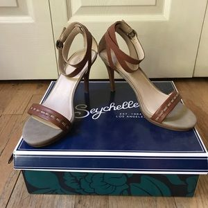 Seychelles Sandals - Sz 7 1/2 - New